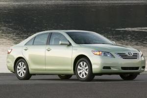 1-toyota-camry-hybrid-images2