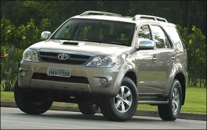 22-toyota-hilux-photos