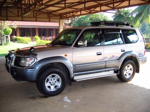 28-toyota-land-cruiser-prado-pictures2