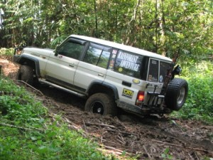 34-toyota-land-cruiser-photos