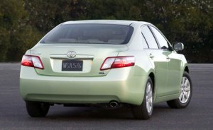4-toyota-camry-hybrid-pictures2