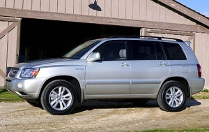 54-toyota-highlander-hybrid-photos2