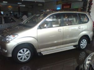 86-toyota-avanza-photos
