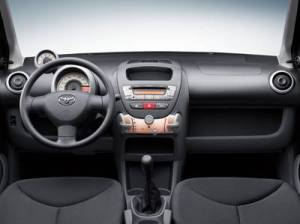 96-toyota-aygo-pictures2